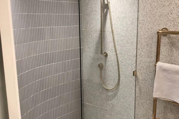10-Bathroom-600x400