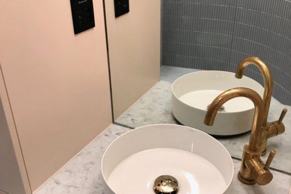 11-Bathroom-sink-600x400